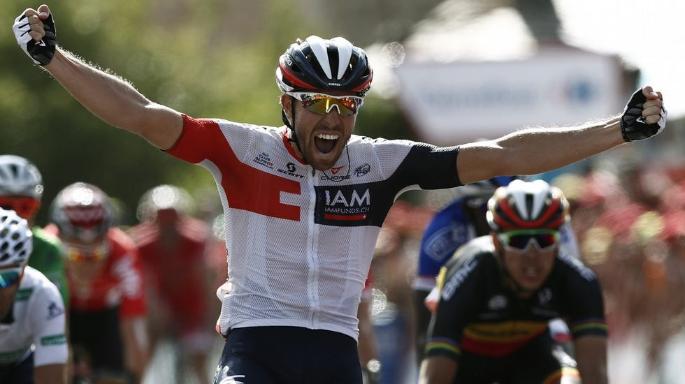 Nairo Quintana celebra su triunfo en Lagos de Covadonga