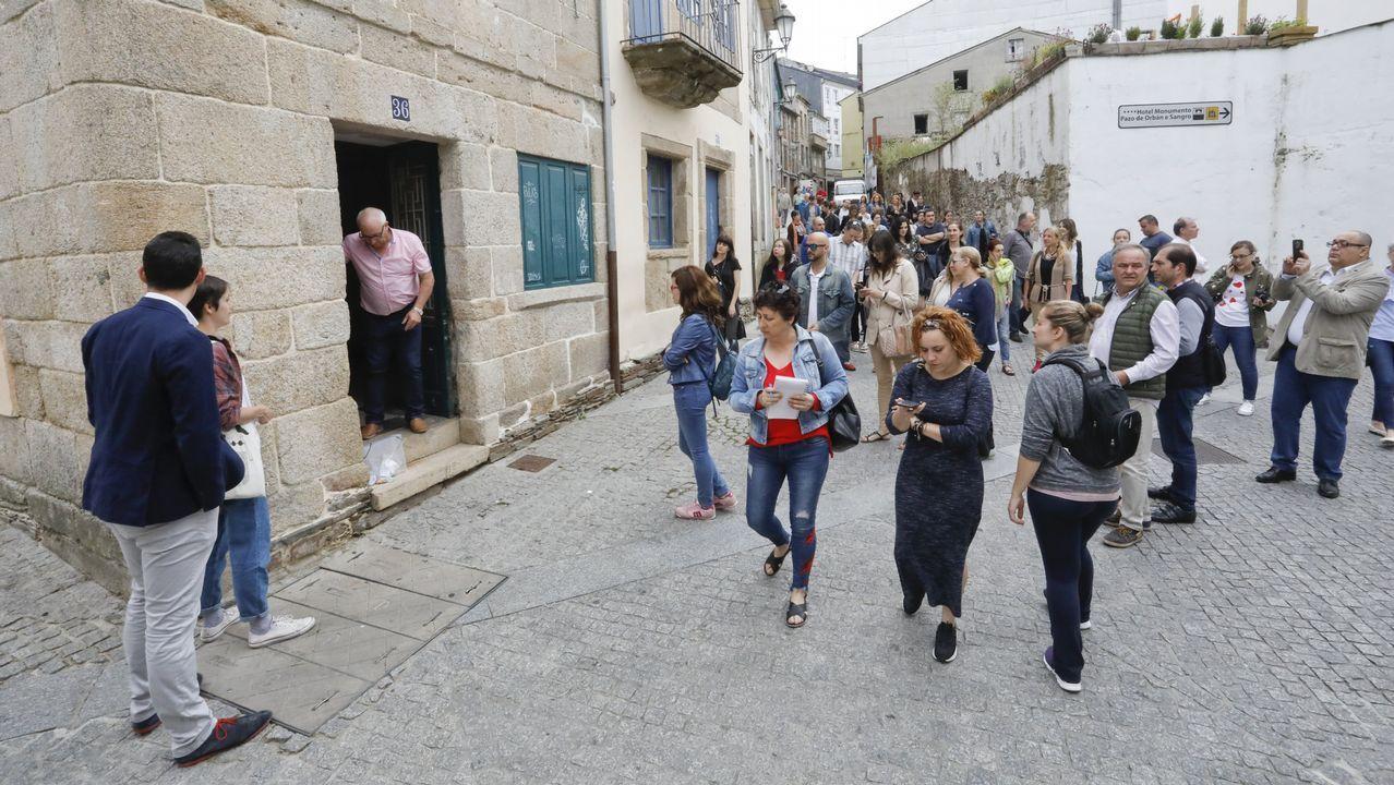 Cien personas se interesan por conocer los locales del Concello en A Tinería.