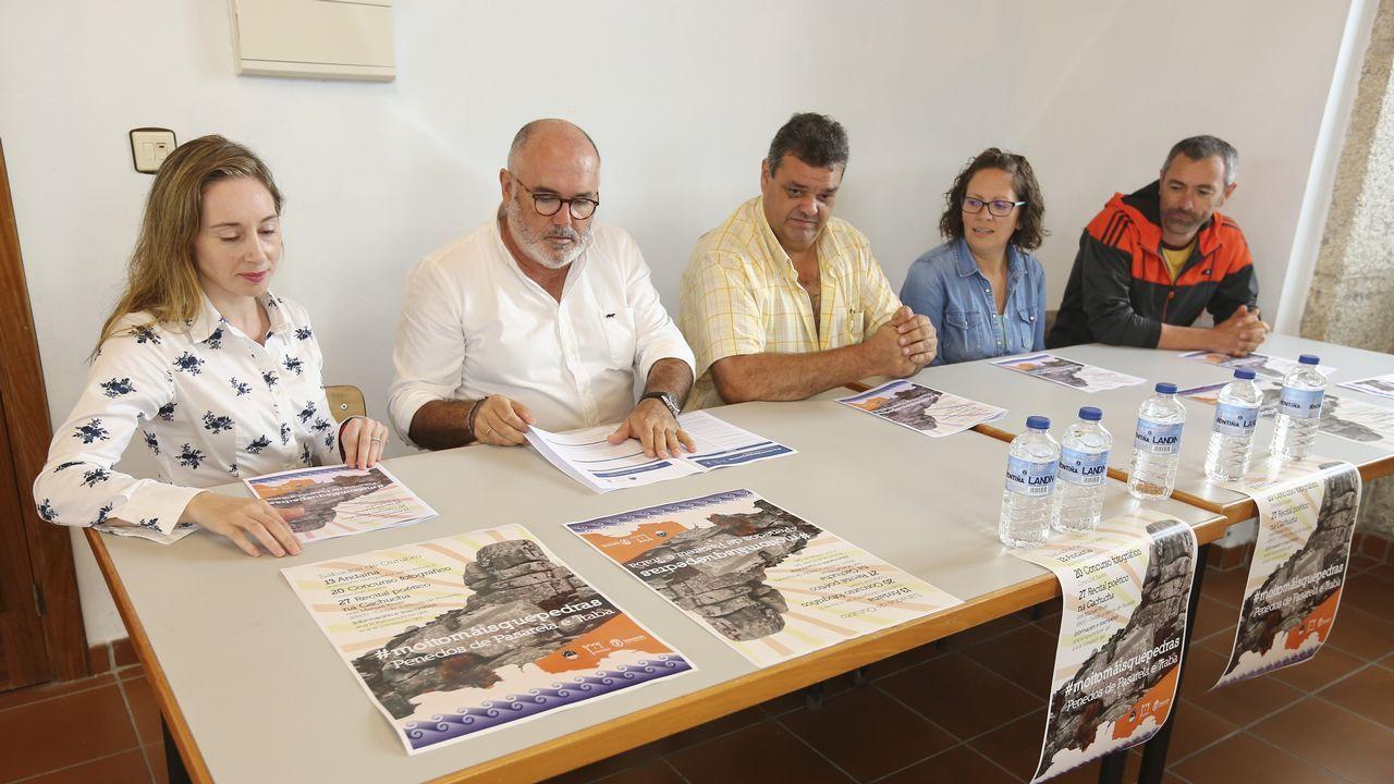 Mañana de limpieza de arenales en la Costa da Morte: ¡el álbum!.Roberto Vidal, de Corme, será el patrón mayor más joven de la comarca