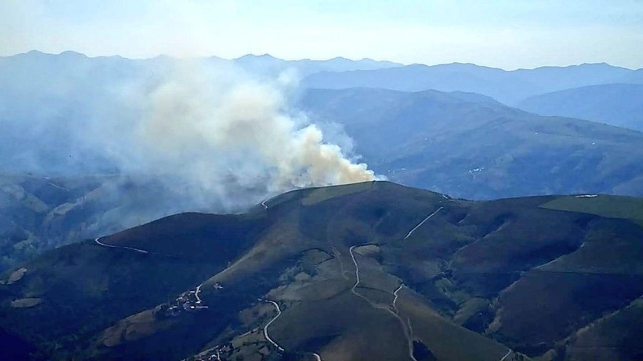 Incendio en Linares del Acebo, Cangas del Narcea
