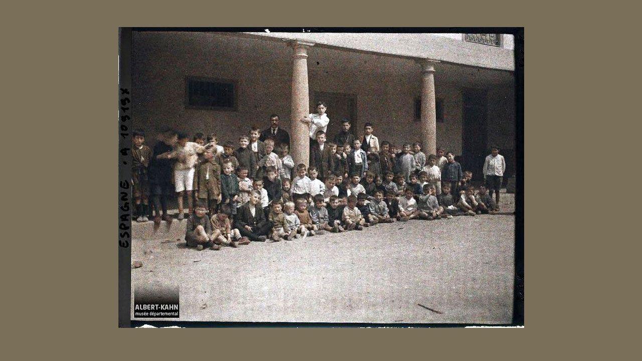Niños del colegio de Santullano