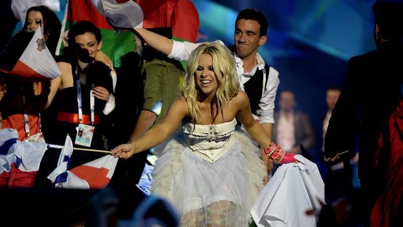 Obsesionados con los famosos.<span lang= es-es >Las figuras del año</span>. Coldplay, Marta Sánchez, Madonna y Bob Dylan  lanzarán nuevos trabajos a lo largo del 2015