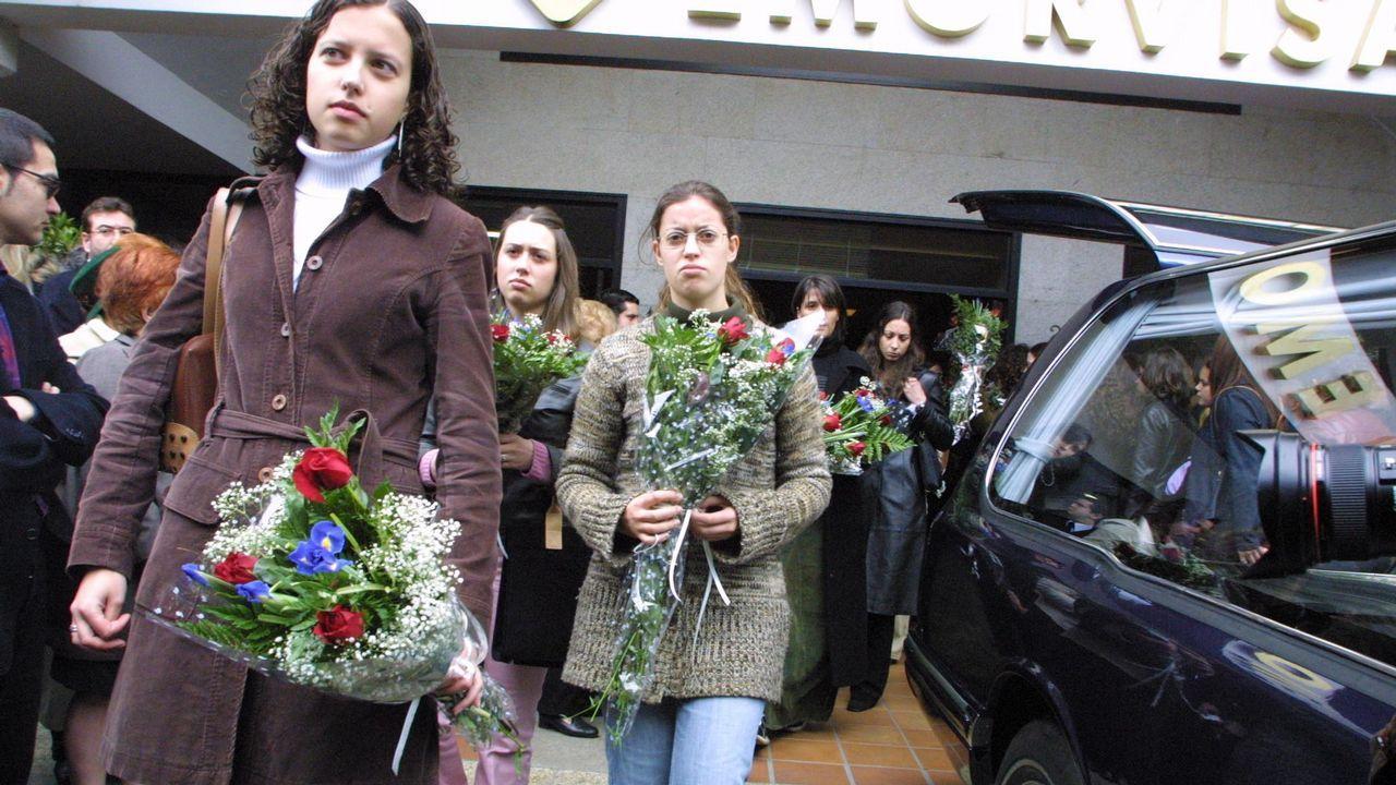 .El entierro de Déborah Fernández, en el año 2002