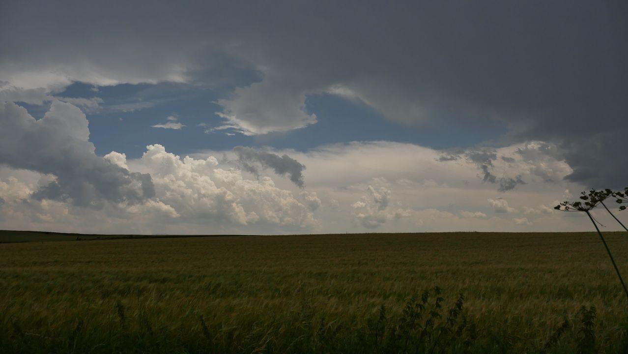 .Una tormenta se avecina llegando a Pagés
