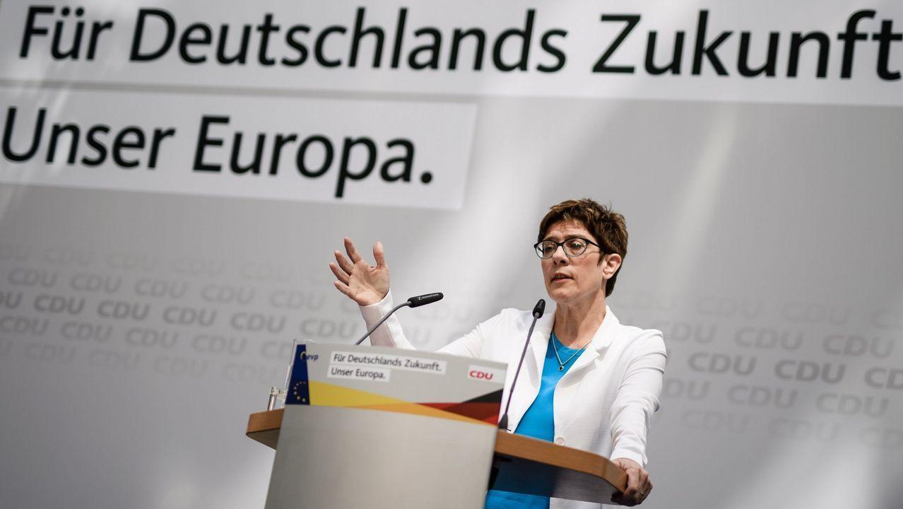Merkel mantiene la línea de la CDU para intentar alejar a su partido de las posturas más ultras