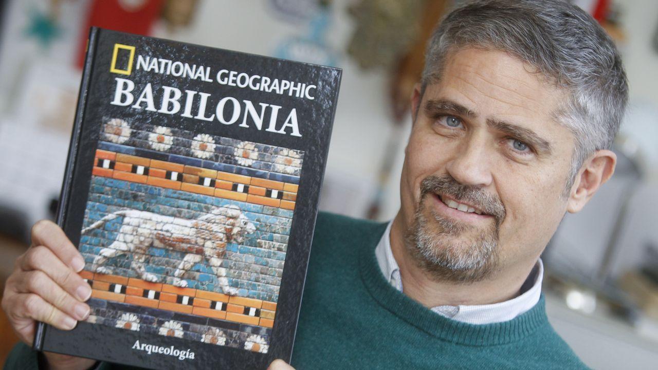Ismael López Silva: «Cuando empezamos, había 25 sastrerías en Santiago. Ahora estoy solo».Brigada de salvamento minero