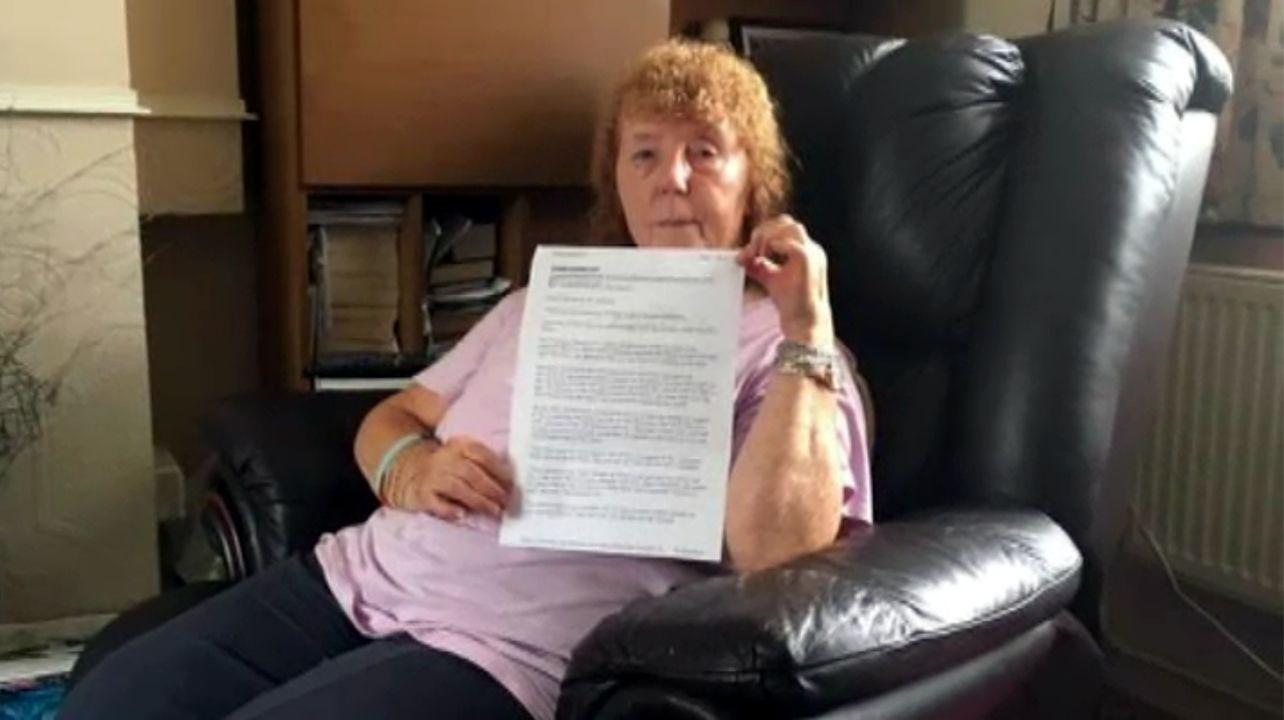 Una británica reclama el dinero de sus vacaciones porque había «muchos españoles» en su hotel de Benidorm.