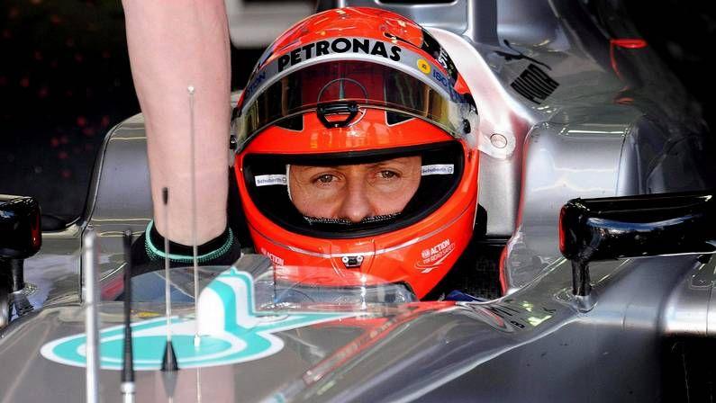 Fernando Alonso arranca su pretemporada en Montmeló.Alonso no pudo contener el ataque de Mark Webber, quien lo adelantó a seis vueltas del final.