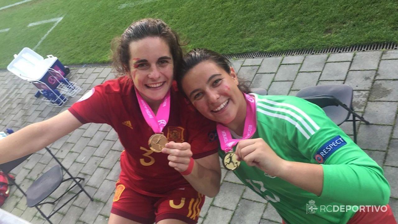 Tere Abelleira y Malena Mieres con las medallas de campeonas de Europa