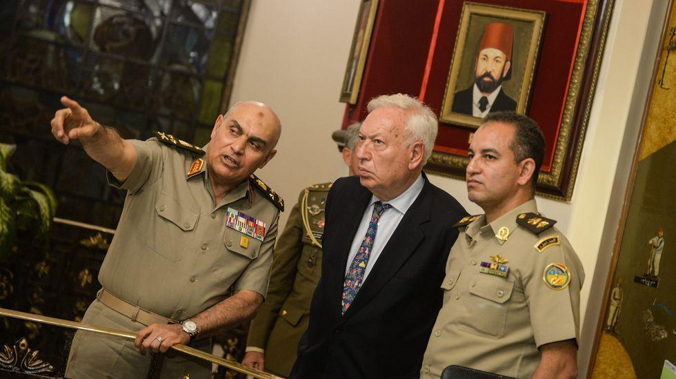 El nuevo Gobierno comienza su andadura.García-Margallo en Irak