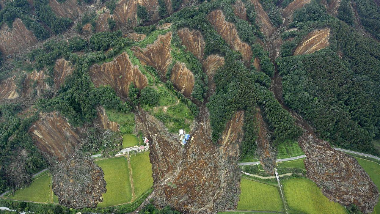 Los derrumbes causados por el terremoto en Japón.
