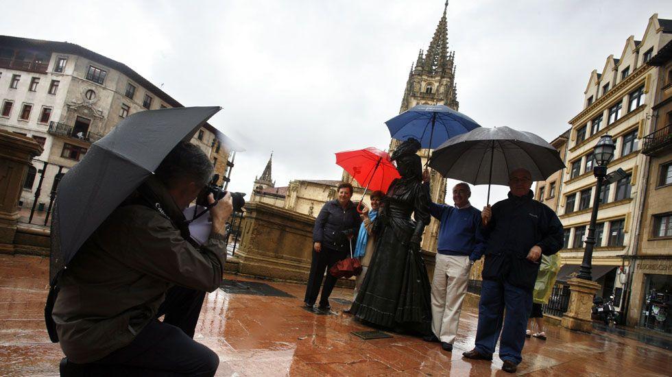 Recta final deloperativo de rescate en Totalán.Turistas en Oviedo