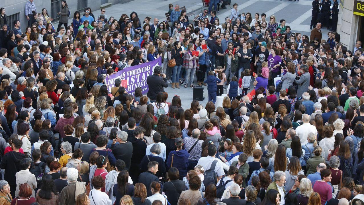 Juzgados Oviedo.Representantes de las organizaciones firmantes del manifiesto feminista en la Casa de Encuentros de las Mujeres de Gijón