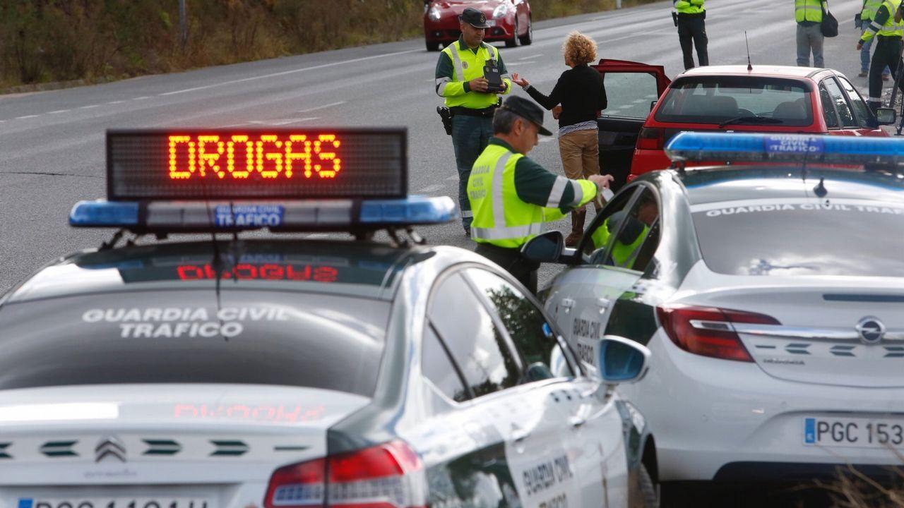 Control de drogas a conductores en una carretera de Pontevedra