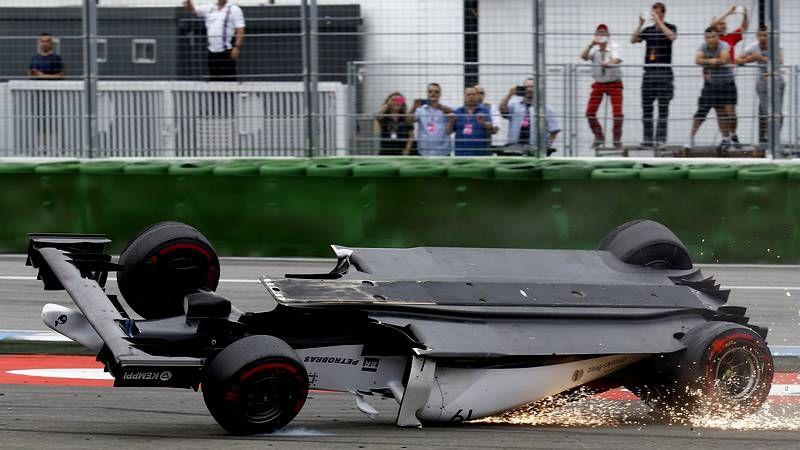 Las fotos del espectacular accidente de Massa en el GP de Alemania.El roce entre Rosberg y Hamilton