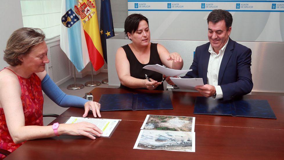 .La alcaldesa, Yolanda Jácome, y el conselleiro de Cultura, Román Rodríguez, firmaron el convenio de colaboración