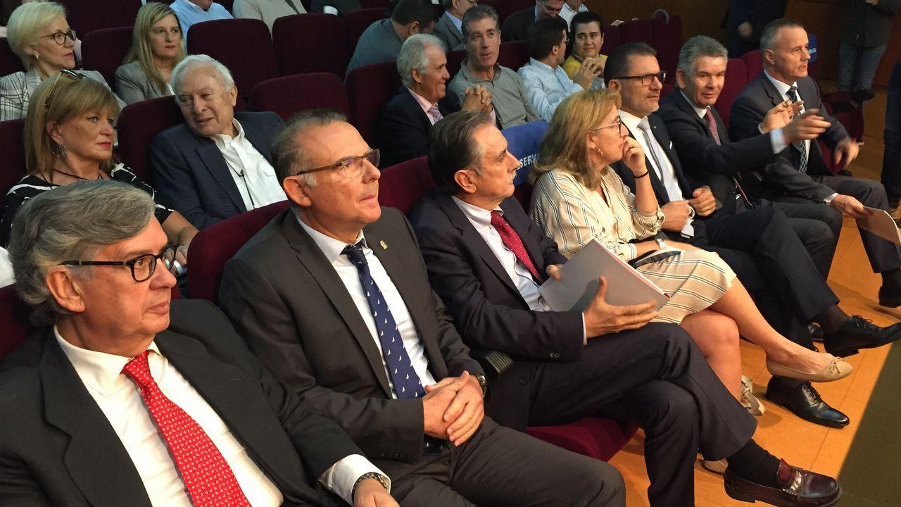 Manuel Rodríguez muestra la sentencia del Tribunal Superior