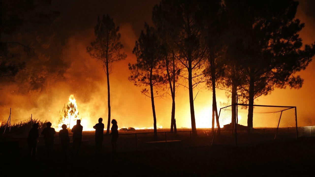 Ángeles y demonios en una tierra quemada y escarmentada