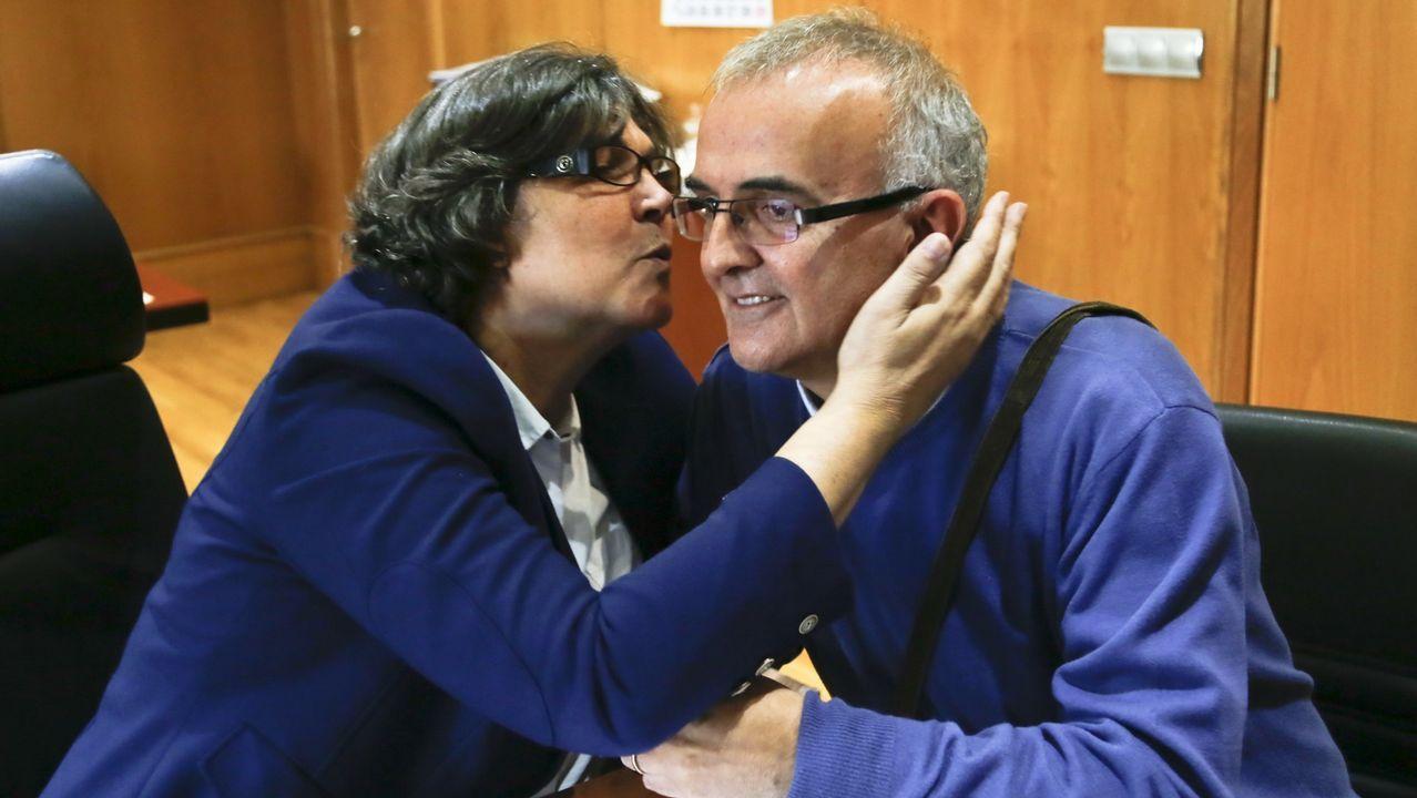 Teléfono móvil.Podemos e IU presentan en la Junta una propuesta por la oficialidad del asturiano