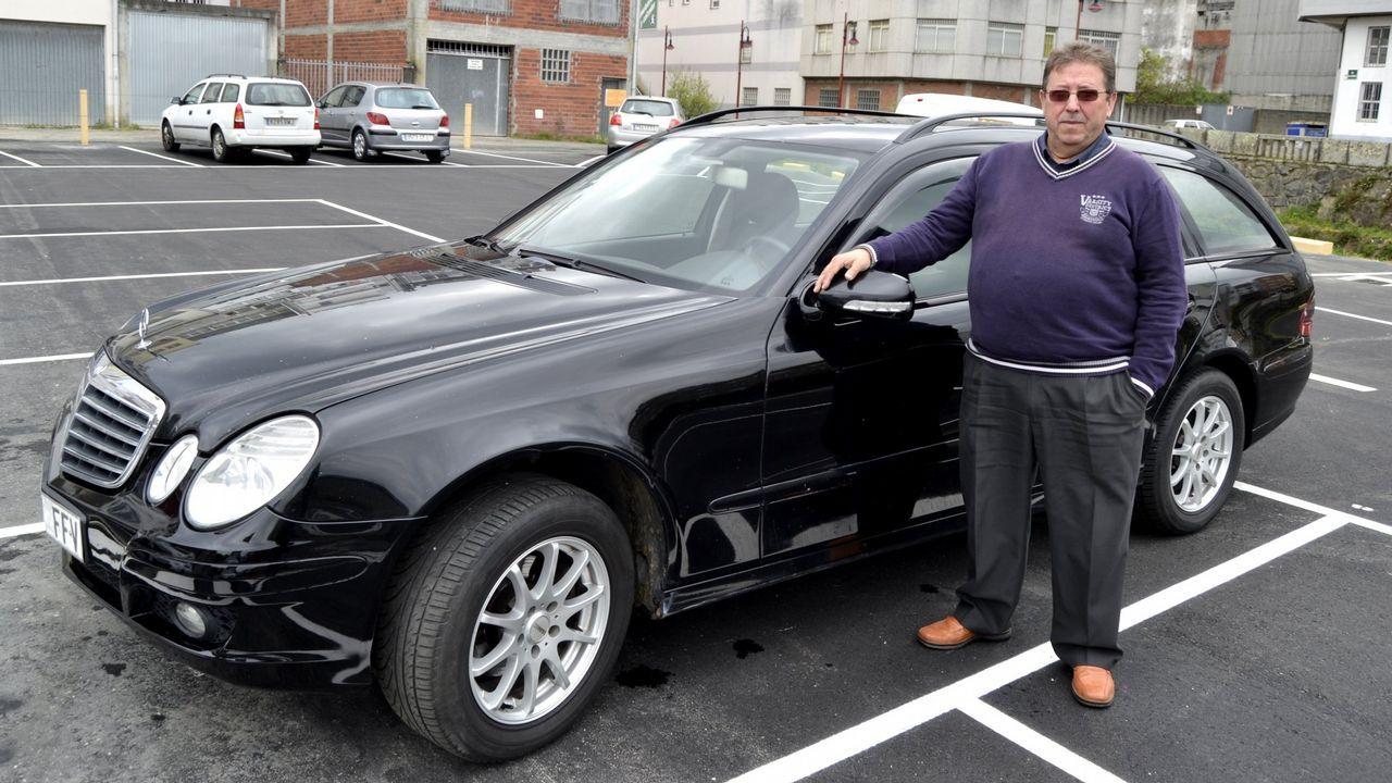 José Martínez Mosquera, taxista que lleva pasajeros desde Galicia a Suiza