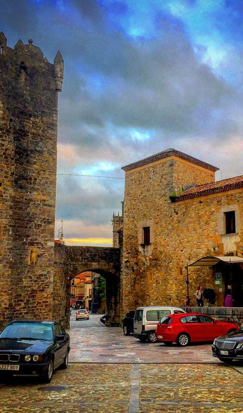 Torre y castillo de los Valdés Salas
