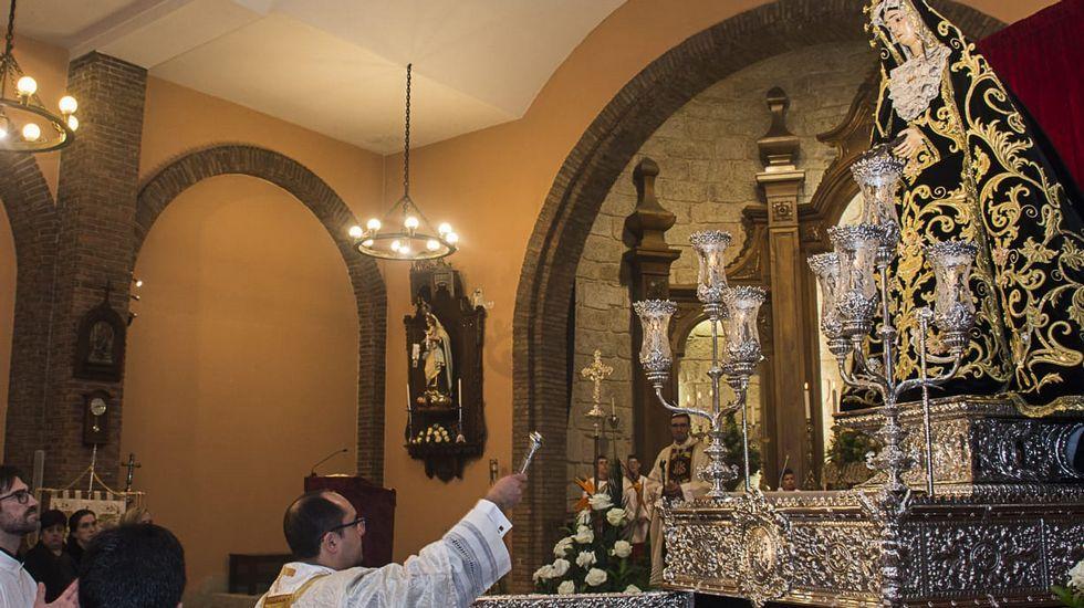 Viernes de Dolores en Vimianzo. Bendición de la nueva anda