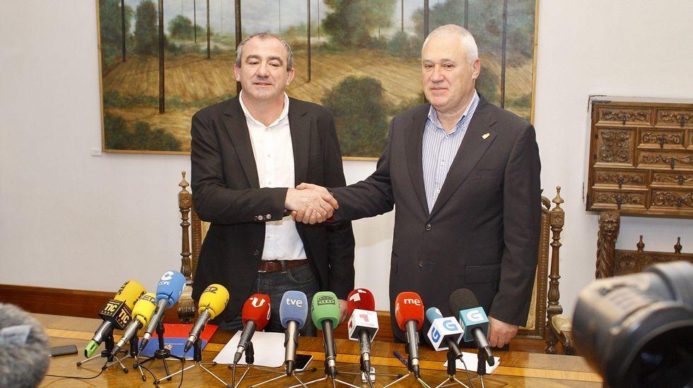 Martínez vuelve al grupo socialista en la Diputación de Lugo.