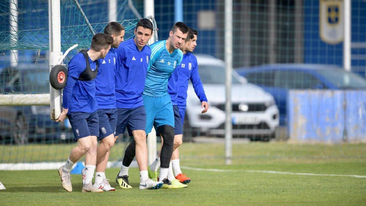 Javi Rozada Bilbao Athletic Vetusta Lezama.Los jugadores del Oviedo en El Requexón