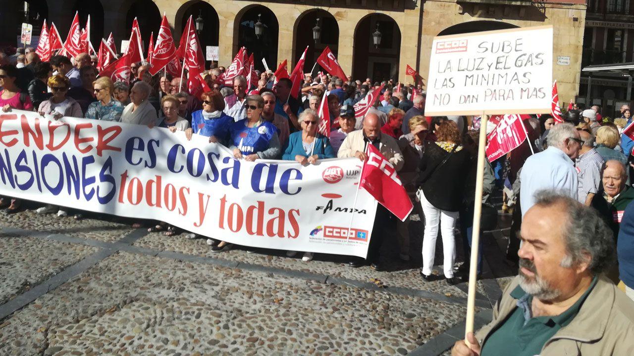Destapan un fraude a la Seguridad Social de 27,5 millones que afecta a 17 provincias, entre ella.Concentración en defensa de las pensiones públicas en Gijón