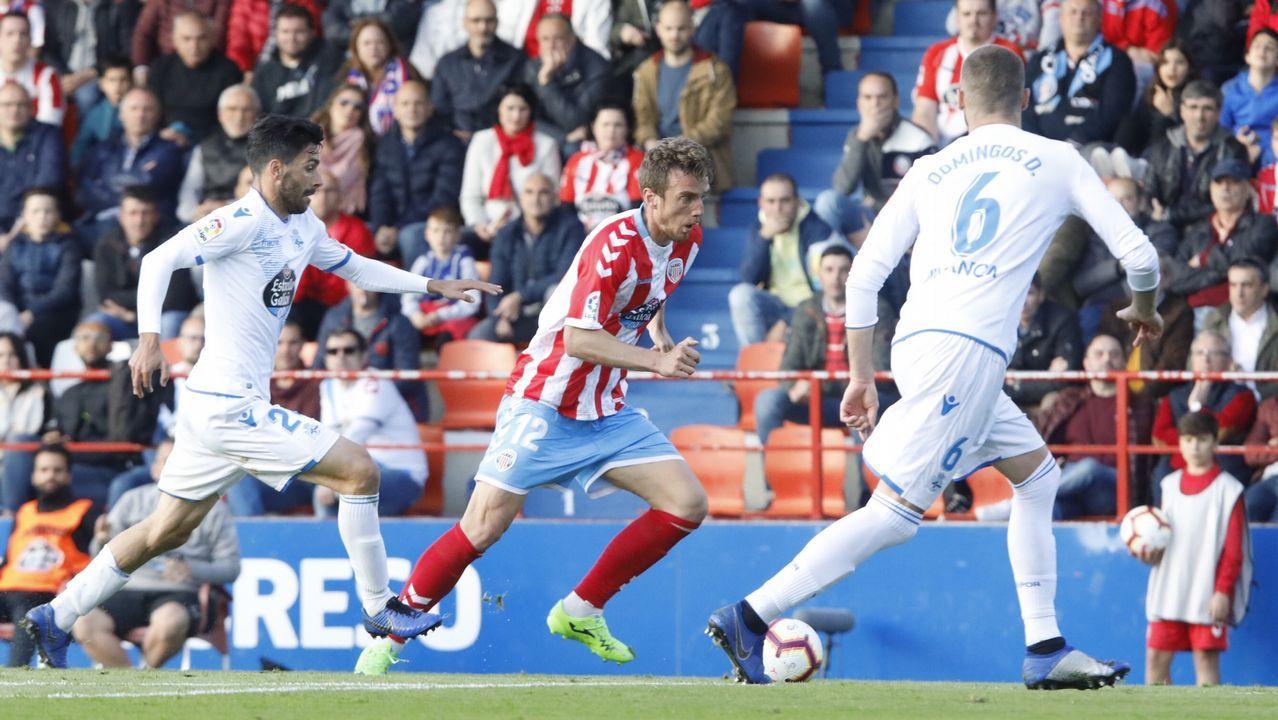 Vetusta Bilbao Athletic Requexon.Cartabia, en un lance del último partido en casa