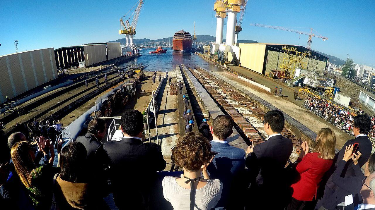 Protesta de los trabajadores de seguridad del astillero Barreras.Botadura del primer buque de crucero para The Rittz Carlton en los Astilleros Barreras de Vigo