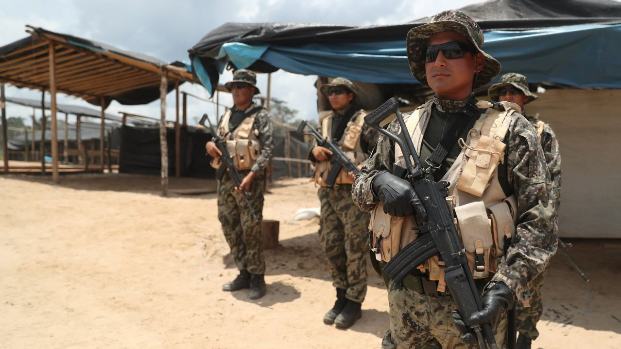 Militares de la Fuerza Aerea Peruana localizaron la avioneta