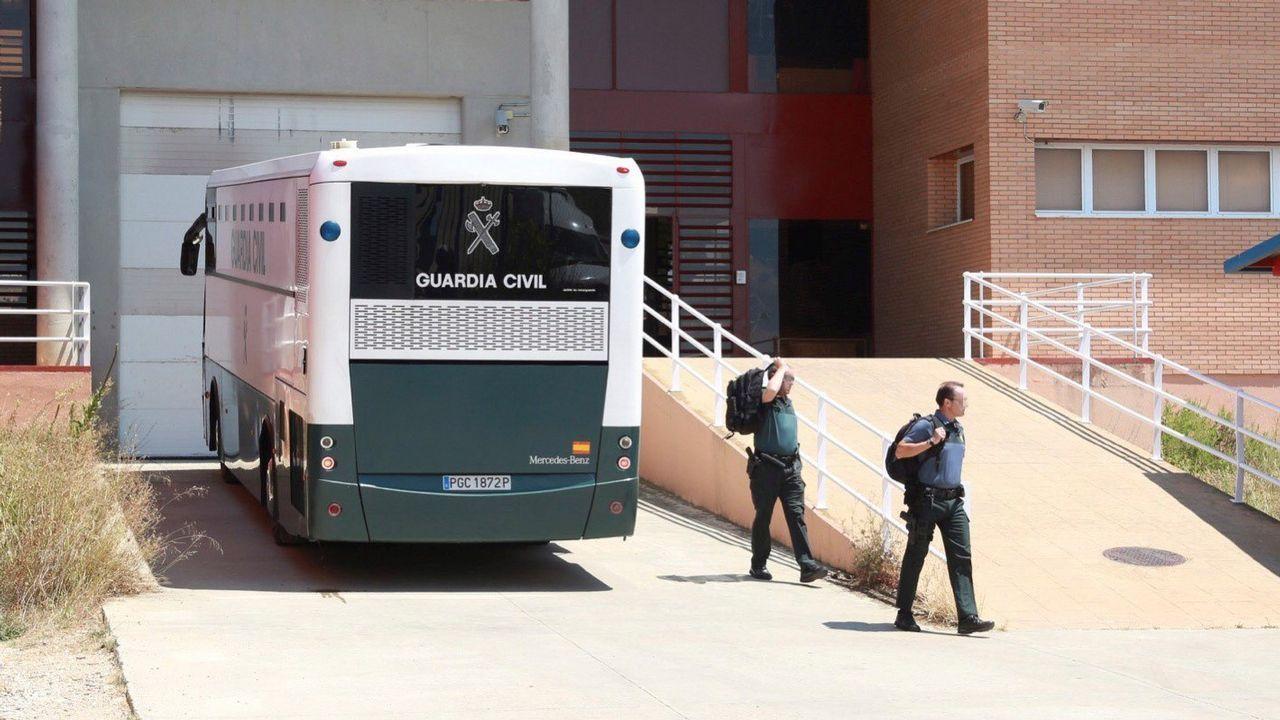 .Entrada de Turull en una de las cárceles donde hizo parada antes de su ingreso en una prisión catalana
