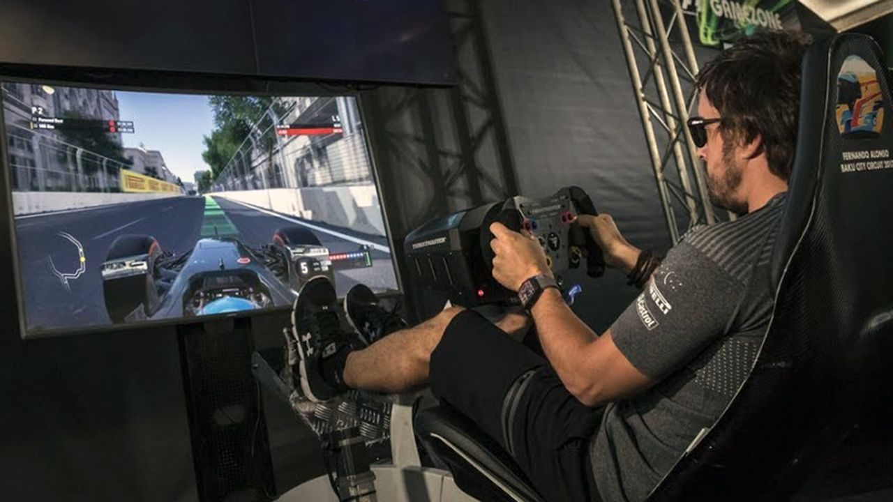Fortnite Pro-Am: ¿te animas a «lootear» con el Rubius?.Fernando Alonso en un simulador
