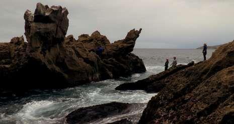 foto_portada.Fotograma de «Costa da Morte», de Lois Patiño, documental que el cineasta gallego presenta en el festival suizo.