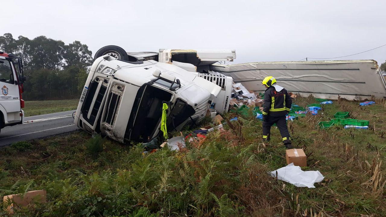 La carretera más peligrosa de España está en Ribadeo.Coche de la Guardia Civil de Tráfico