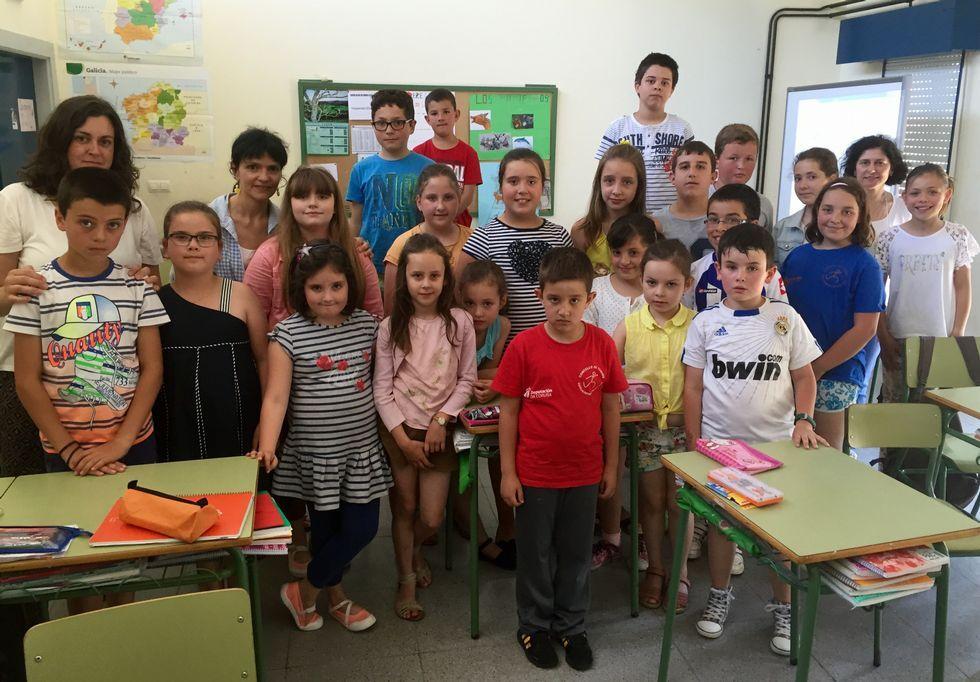 Los alumnos de Primaria del colegio de Toques.