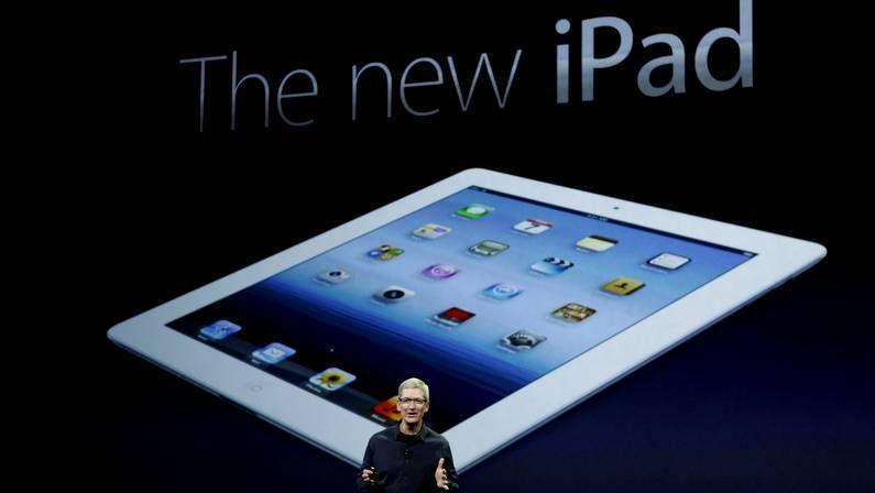 Apple.El director de Telefónica y la responsable de Modernización presentaron el punto de acceso a la red.