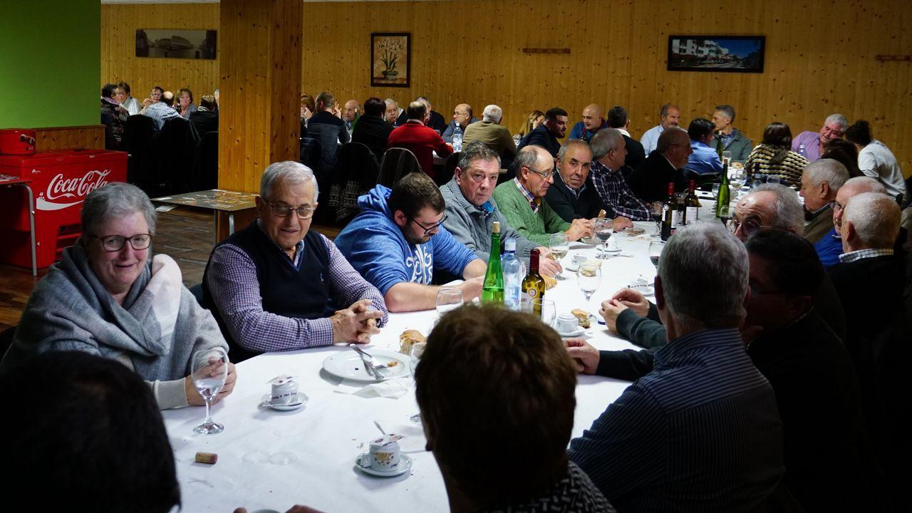 ¡Mira aquí las imágenes del partido de tercera división entre el Boiro y el Somozas!