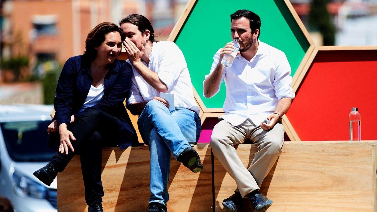 Ramón Espinar lanza un órdago a Iglesias y Montero.Pablo Iglesias, entre Ada Colau y Alberto Garzón, en un mitin celebrado en Barcelona a una semana del 26M