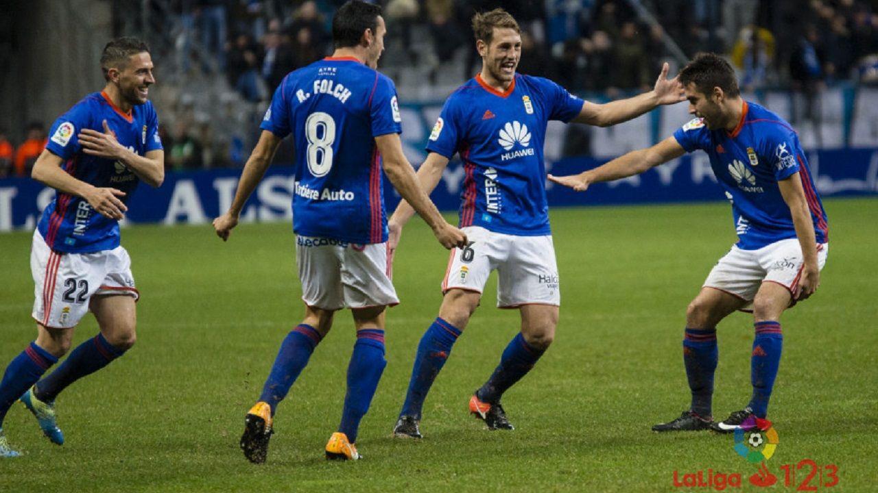 Gol Diegui Johannesson Carlos Tartiere Real Oviedo Osasuna.Diegui celebra su tanto con Carlos, Folch y Rocha