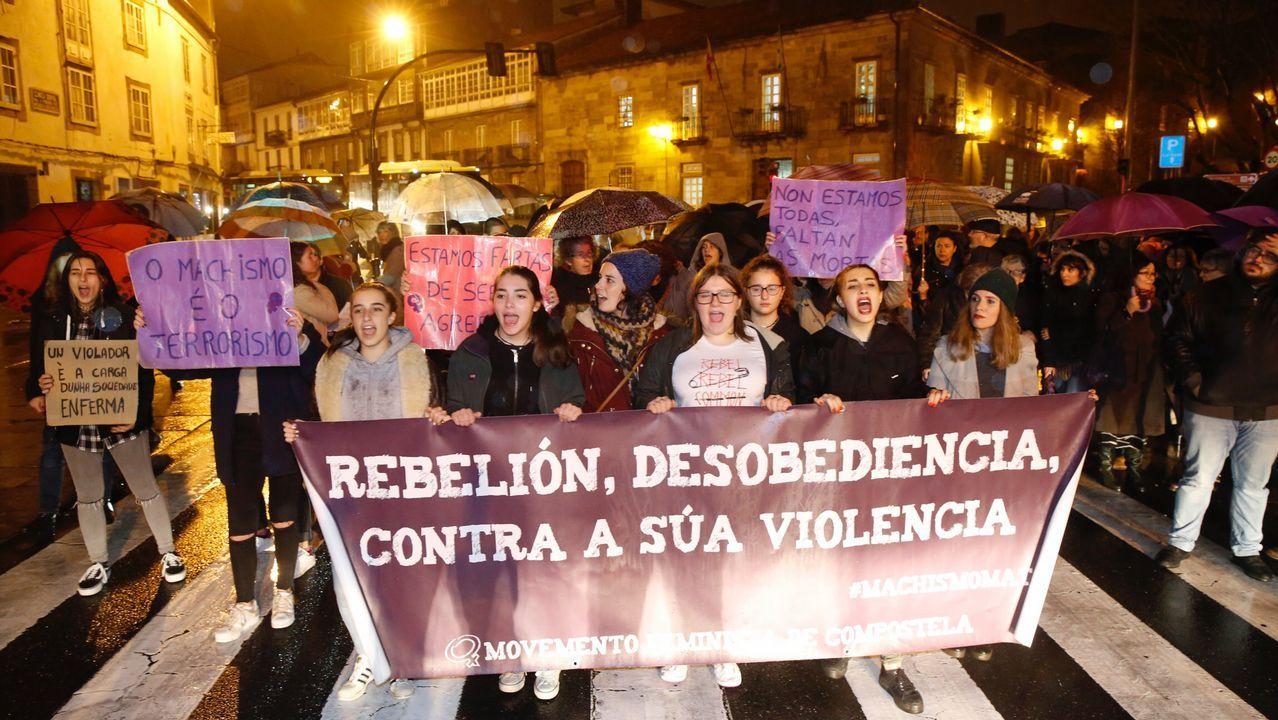 Manifestación de colectivos femenistas para condenar el asesinato de Diana Quer.
