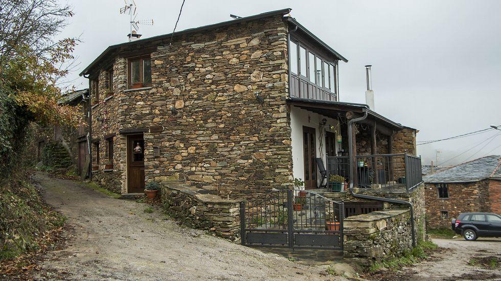 Una vivienda de estilo tradicional en la localidad de Remesar