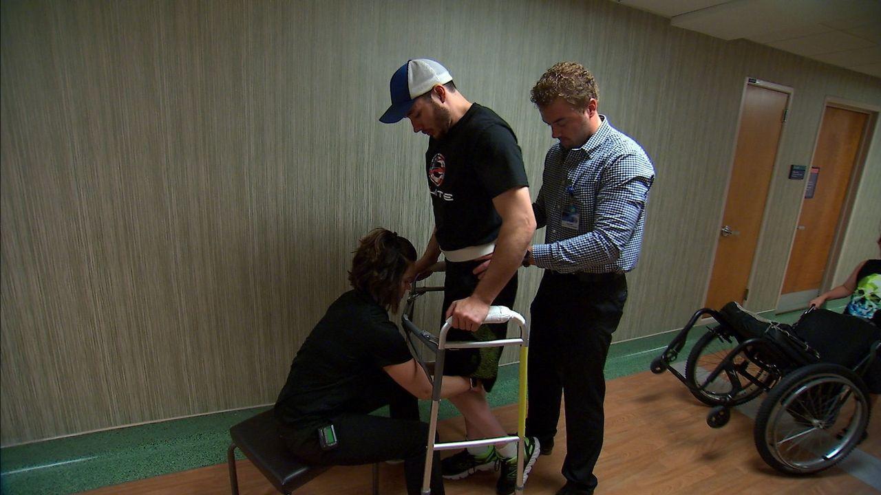 Así consiguieron que volviese a andar un joven parapléjico.El presidente del gobierno Pedro Sánchez, durante una reunión en el Palacio de La Moncloa con el Presidente del principado Asturias, Javier Fernández