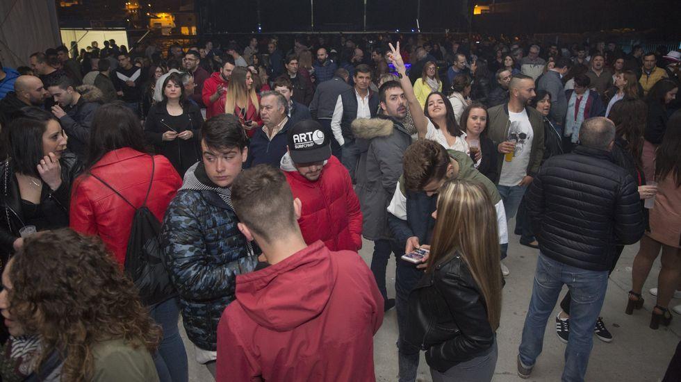 ¿Estuviste en la Festa da Xuventude de Malpica? ¡Mira las imágenes!.El joven detenido por la agresión ya fue detenido el pasado octubre por un ataque a un puesto de la Guardia Civil en Camariñas