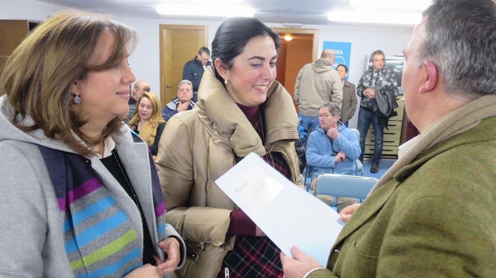 La alcaldesa de O Porriño reconoce que mintió.Los expresidentes de Brasil y de Chile, Cardoso (a la izquierda) y Lagos, junto a Sánchez ayer en el Foro Iberoamericano