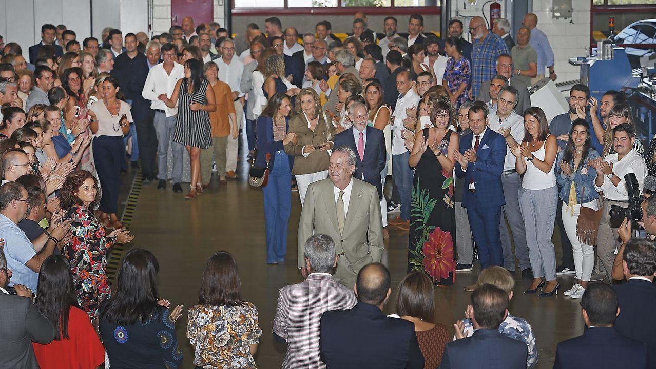 .Los asistentes recibieron al presidente de La Voz con un largo aplauso