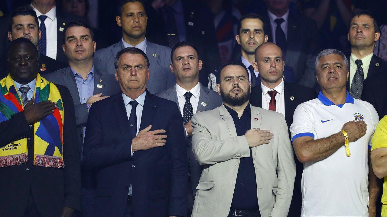 El abogado de Puigdemont, Gonzalo Boye, tuvo que presentar su documentación en el registro como le ordenó una funcionaria de la Junta Electoral.Jair Bolsonaro, en el partido inaugural entre Brasil y Bolivia, en la Copa América de Fútbol, en Sao Paulo