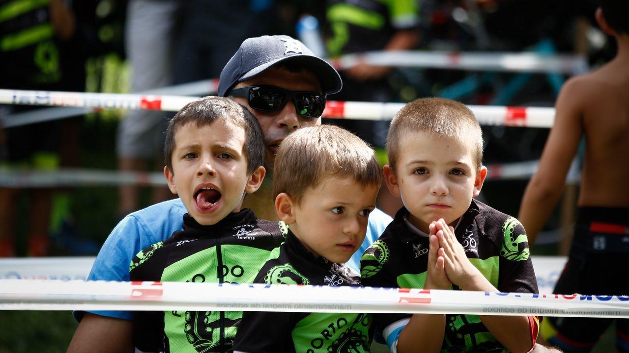 MINI BTT MACEDA.Padres y familiares siguieron las carreras con interés.