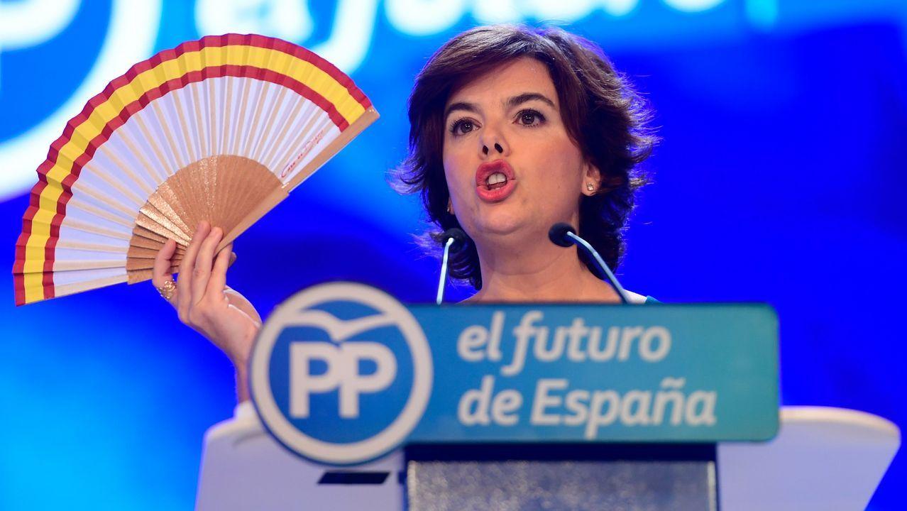 Soraya Sáenz de Santamaría ha sido la primera en intervenir ante el plenario y se ha reivindicado como la «candidata de las bases».